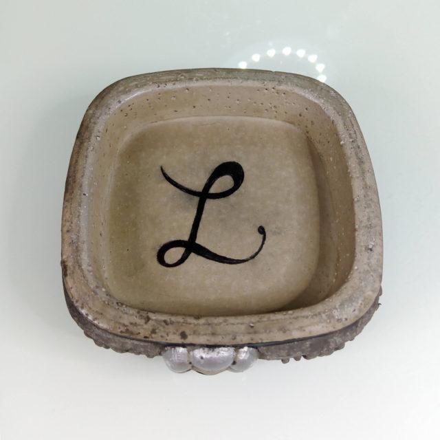 Seifenschale: Bordüre mit Wunsch-Initialie